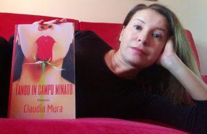 Autrice e il suo libro